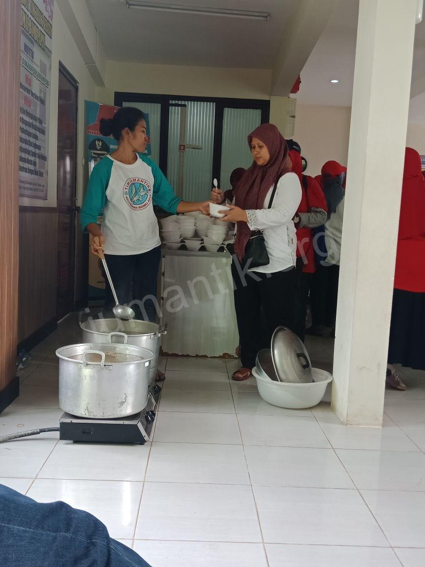 Jumantikers_gerebek_kampung_kelurahan_bambu_apus11.jpg