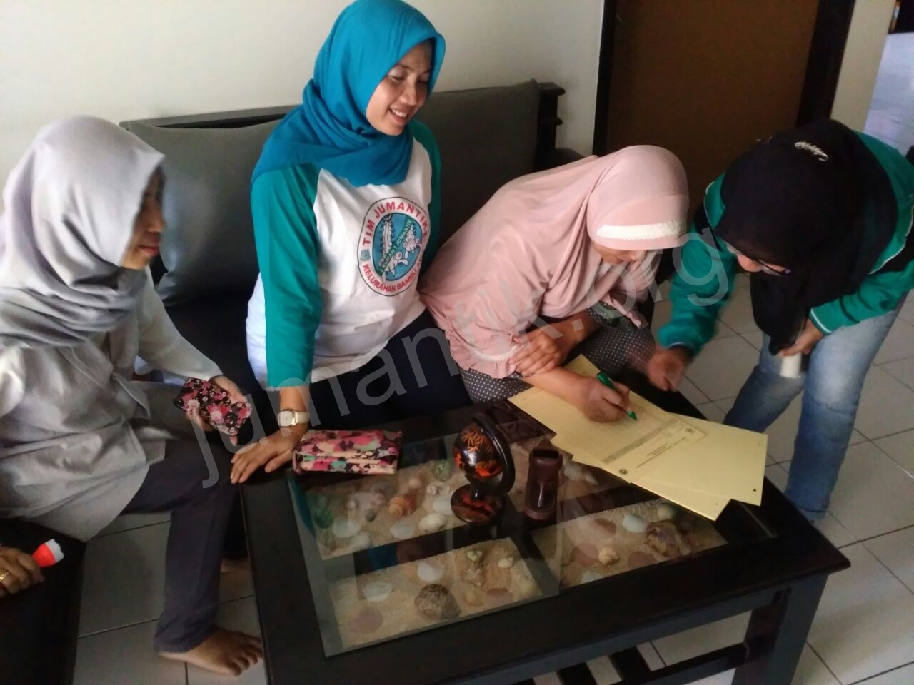 Jumantikers_gerebek_kampung_kelurahan_bambu_apus28.jpg